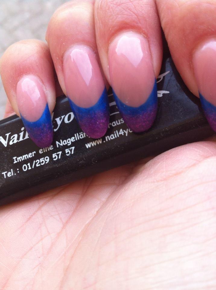 French Nails Gelnägel in blau und violett